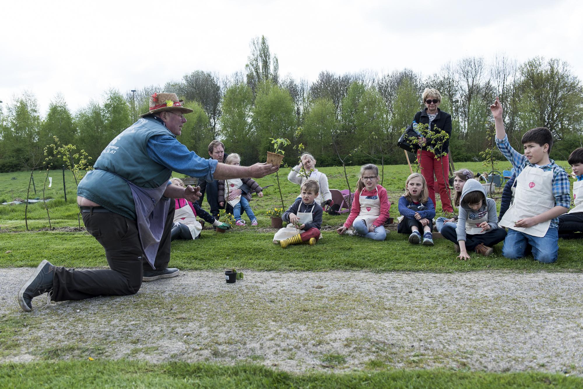 Jardidier de l 39 association le jardin voyageur est un for Le jardin voyageur